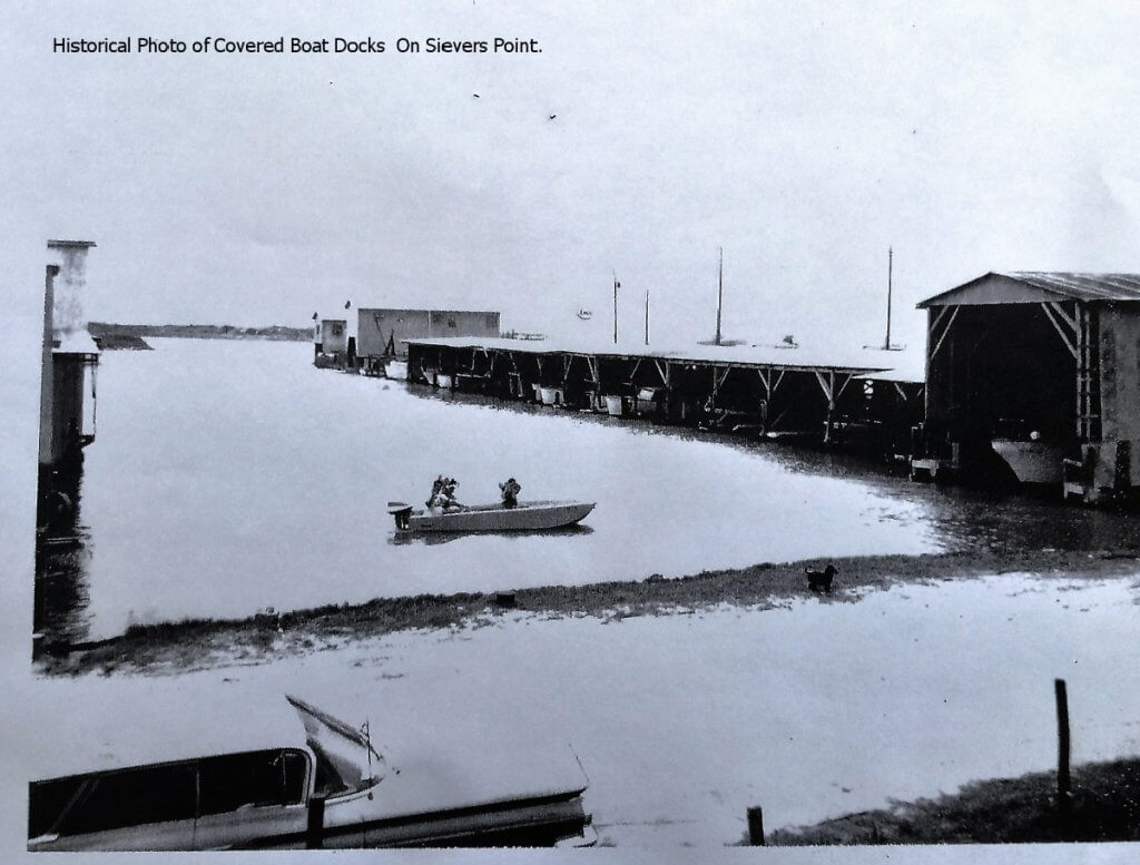 labeled-historical-photo-yacht