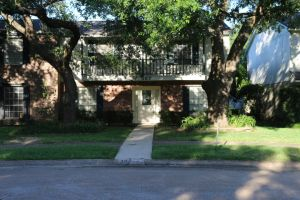 SOLD! 367 Georgetown, Beaumont, TX 77707:   Reduced $118,000. 3/2/2 on Quiet Cul-de-sac across from POOL.  Huge bedrooms,  FP, Patio. Convenient Location. Manion Place #5.